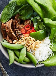 30 Lazy Summer Dinners to Make Every Night in June Easy Thai Recipes, Summer Recipes, Easy Dinner Recipes, Asian Recipes, Healthy Recipes, Dinner Ideas, Healthy Meals, Asian Foods, Noodle Recipes