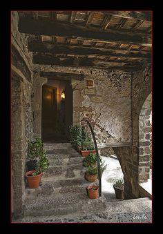 "Santa Pau - ""Can Caguetes""   La Garrotxa   Girona"
