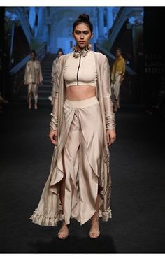 Shop for Jayanti Reddy designer dress online in India. Quality Material, Variety of designer range from India's top brand Couture Yard Lakme Fashion Week, India Fashion, Asian Fashion, Style Fashion, Fashion Ideas, Girl Fashion, Western Dresses, Indian Dresses, Indian Outfits