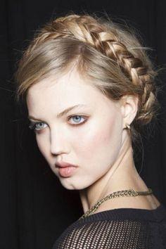 Corona di capelli intrecciati