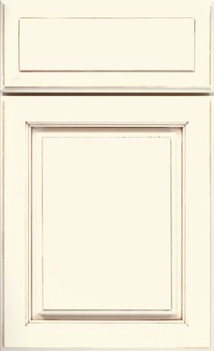 Sterling Cabinet Door Style - Semi-Custom Cabinetry - DiamondCabinets.com