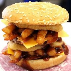 Burger King Secret Menu: List of Burger King's Hidden Menu Items Fast Food Secret Menus, Secret Menu Items, Menu Restaurant, Restaurant Recipes, Good Food, Yummy Food, Cake Toppings, Food Menu, Copycat Recipes