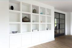 Kastenwand built in bookcase cabinet living room Modern Interior, Interior Design, Built In Bookcase, Home Living Room, Interior Inspiration, Shelving, Family Room, New Homes, House Design