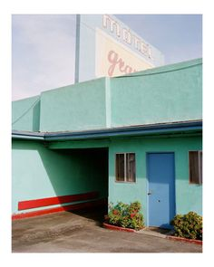 Motel by George x Framed Edition of Byrne's L. series 'Local Division' resonates with a quiet, deductive intensity. Photography Lessons, Urban Photography, New Topographics, Hidden Beauty, Hotel Pool, Australian Artists, Mid Century House, Landscape Photographers, Motel
