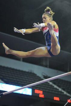 Maggie Nichols Gymnastics Flexibility, Gymnastics Poses, Gymnastics Pictures, Sport Gymnastics, Artistic Gymnastics, Olympic Gymnastics, Tumbling Gymnastics, Gymnastics Photography, Dance Photography