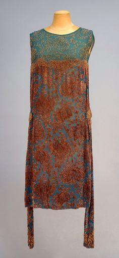 1920s dress via Whitaker Auctions