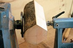 Richard Raffan shows how to mark out for and turn bowls with beautiful bark edges.