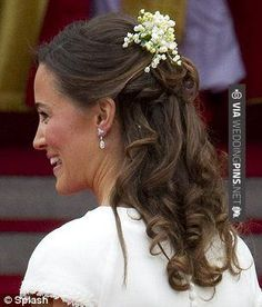 Not a hair out of place: From Kate and Pippa to Beatrice and Eugenie, the secret to princess-perfect tresses (and other grooming secrets of the very glossy posse) - Bridal Hair Down, Half Up Wedding Hair, Wedding Hair Clips, Wedding Hair Flowers, Flower Girl Hairstyles, Fancy Hairstyles, Down Hairstyles, Wedding Hairstyles, Mexican Hairstyles
