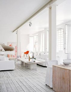 This apartment would be the ultimate yoga studio/ meditation hang out.   Méchant Design: a zen white house