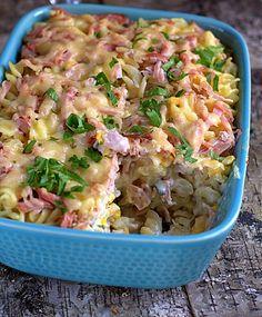 pasta casserole with gorgonzola, ham and corn Pasta Casserole, Aga, Superfoods, Pasta Salad, Potato Salad, Food And Drink, Potatoes, Ethnic Recipes, Pierogi