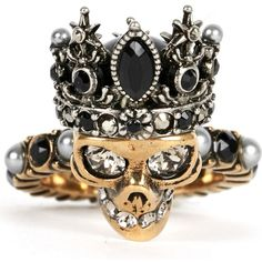 ALEXANDER MCQUEEN Crowned skull ring ($360) ❤ liked on Polyvore featuring jewelry, rings, skull head ring, crown rings, antique gold rings, swarovski crystal rings and antique gold jewelry
