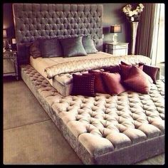 Love this doubles as a bed and a loungey area