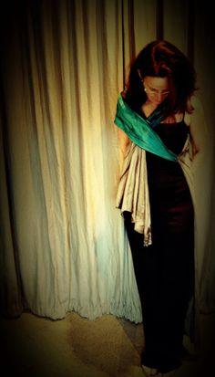 estamos te contando como se dá o complemento da peça no corpo - é no corpo que ela acontece.  http://heroina-alexandrelinhares.blogspot.com.br/2014/01/neila-veste-heroina-alexandre-linhares.html