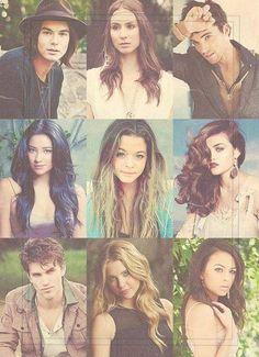 Ashley, Tayler, Ian, Troian, Shay, Lucy, Sasha, Janel, Keegan  , Pretty Little Liars