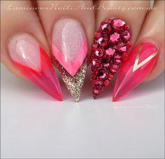 luminous-nails-beauty-gold-coast-qld.-coral-pink-gold-nails.-pink-nails.-indian-pink-nails.-acrylic-nails.-gel-nails.-nail-artist.-nail-art-designs-book.-nail-art-ebook.-.jpg