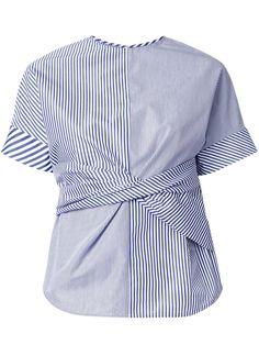 Le Ciel Bleu camiseta a rayas con detalle retorcido