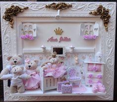 QUADRO ENFEITE DE PORTA MATERNIDADE BEBE  nas cores rosa e bege com ursos caramelos  FAMÍLIA URSO bebe bailarina nas cores rosa com bege,personalizado com o nome do seu bebe e com iluminação de lad No caso de utilização de tecido da cliente, o prazo começa a contar a partir do recebimento dos mesmos, tanto para as roupas , quanto para o fundo, pois sem eles não é possível começar o trabalho. sempre que fizer uma encomenda Descreva as alterações que deseja fazer modelo do urso (claro ou…