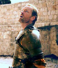 Ser Jorah - searching for his khaleesi… Mormont Game Of Thrones, Game Of Thrones Meme, Game Of Thrones Cast, Best Series, Tv Series, Ser Jorah Mormont, Joe Dempsie, Iain Glen, Game Of Trones