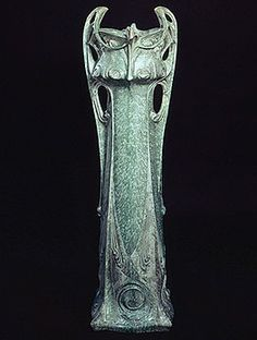 Hector Guimard (1867-1942) - Tall Vase des Binelles. Bronze Patinated Pottery. Manufactured by Sevres. Circa 1903.