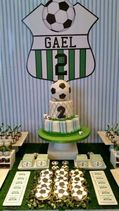 Eventos Romina D's Birthday / Football - Gael Sports Party at Catch My Party Soccer Birthday Parties, Football Birthday, Birthday Party Tables, Soccer Party, Sports Party, Soccer Cake, Party Planning, First Birthdays, Party Time
