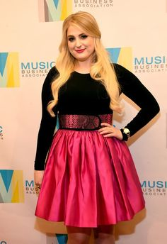 Meghan Trainor Shares Her Confidence Trick To Help Fight Insecurities   Bustle