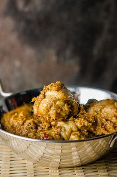 There are many types of curries and all are uniquely aromatic. Malaysian Dry Chicken Curry or Rendang Ayam is a dish that is easy to make and so tasty. Indian Food Recipes, Asian Recipes, Healthy Recipes, Ethnic Recipes, Indonesian Recipes, Asian Desserts, Healthy Food, Weekly Recipes, Asian Foods