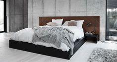 headboard/bed