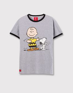 Pull&Bear - homme - t-shirts - t-shirt snoopy charlie brown - vigoré clair - Charlie Brown, Snoopy Charlie, Cartoon Outfits, Pull & Bear, Nerd Fashion, Kids Fashion, Pull And Bear Homme, Snoopy Clothes, Peanuts T Shirts