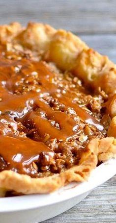 Caramel Apple Pie Recipe | The best pie recipe for fall.