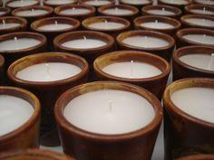 www.manoschilenas.com www.facebook.com/manos.chilenas Velas con aromaterapia en cerámica gres