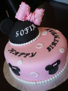 Minnie Mouse custom creative girl's One tier pink and black fondant girl's birthday cake. www.facebook.com/dgfcreations