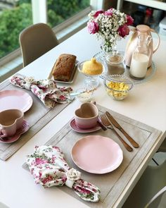 Dining Table Decor Everyday, Dinning Table, Cool Kitchen Gadgets, Cool Kitchens, Breakfast Platter, Brunch Table, Food Platters, Deco Table, Decoration Table
