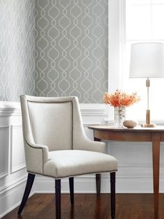 from the Geometric Resource 2 collection and the Palisades Chair from in Modena in from the Woven Resource 1 collection. Bead in from the Geometric Resource 2 collection and the Palisades Chair from in Modena in from the Woven Resource 1 collection. Grey Wallpaper, Geometric Wallpaper, Home Wallpaper, Wallpaper Ideas, New Yorker Stil, Small Space Interior Design, Fine Furniture, Interior Design Inspiration, Decoration