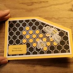hum hum hum - The perfect card for a beekeeper 🐝 Informations About Summ summ summ Pin You can easily use my pr - Card Making Tutorials, Card Making Techniques, Fancy Fold Cards, Folded Cards, Handmade Birthday Cards, Greeting Cards Handmade, Bee Cards, Interactive Cards, Shaped Cards