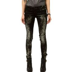Pre-owned Blanknyc Paint Splatter Skinny Jeans- (185 CAD) ❤ liked on Polyvore featuring jeans, none, blanknyc jeans, denim skinny jeans, blanknyc, black jeans and low rise black skinny jeans
