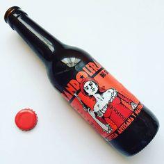 La Cerveza del Viernes: Jauja de Cerveza Bandolera del Sur. Equilibrio entre grano y lúpulo que recuerda a una pilsner pero con un gusto más afrutado propio de las Ale y una sensación fresca al paladar bien definida y redondeada.