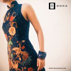 One of our favourited product is this cheongsam batik. Batik is heritage of the Indonesia, while Cheongsam is brought by the culture of China, the designer tried to mix the culture and the heritage, so here is the unique look of batik cheongsam, it looks modern, elegant, and sexy.
