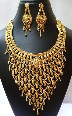 Bracelet Models - Indian Gold Plated Wedding Necklace Earrings Jewelry Variations tikka Set - Most Pin Indian Jewelry Sets, Indian Wedding Jewelry, Wedding Jewelry Sets, Engagement Jewelry, Indian Bridal, Bridal Jewelry, Gold Jewelry, Wedding Rings, Gold Plated Bangles
