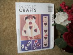 Crafts Pattern Vintage McCall's DIY Christmas Fabric Angel Doll Mittens and Hearts Ornaments Holiday Card Holder Home Decor
