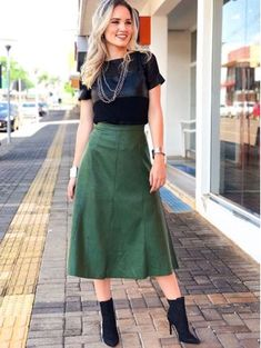 Fashion Days, Work Fashion, Modest Fashion, Autumn Fashion, Fashion Outfits, Chic Outfits, Fall Outfits, Business Casual Skirt, Smart Casual Outfit