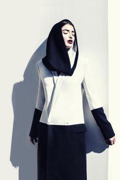 Tradition, neu interpretiert: Ein Entwurf der Designerin Faiza Bouguessa aus Dubai. Die junge Französin mit algerischen Wurzeln...