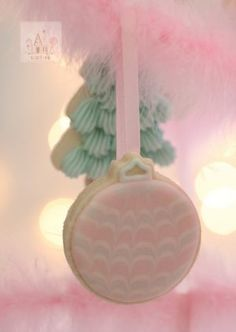 Pastel Ornament Cookies