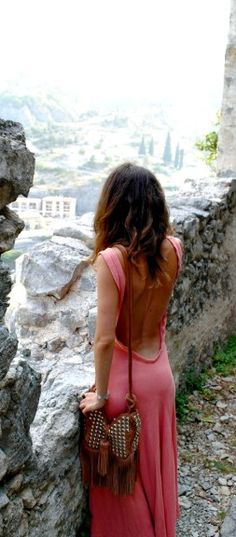 Love backless anything.your everyday backless maxi dress. Looks Chic, Looks Style, Style Me, Hippie Outfits, Robes Dos Nu Maxi, Look Fashion, Fashion Beauty, Spring Fashion, Miami Fashion