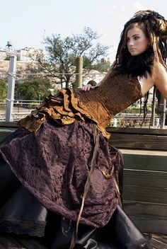 Victorian steampunk--beautifully done without gears, goggles, clockfaces. Steampunk Cosplay, Chat Steampunk, Mode Steampunk, Style Steampunk, Steampunk Wedding, Victorian Steampunk, Steampunk Clothing, Steampunk Fashion, Steampunk Dress