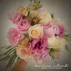 ramo de novia con rosas y eustomas