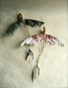 :) oh my I love these def gonna make, Flying Fish Skeletons, fiber sculptures, by 'Johanna' of Pale Rook.