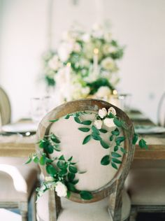 Photography : Greer Gattuso | Venue : Il Mercato | Event Planning + Design : Elyse Jennings Weddings Read More on SMP: http://www.stylemepretty.com/2016/03/15/neutral-elegant-outdoor-wedding-inspiration/