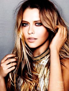 Amazing beauty Teresa Palmer poses for the March edition of InStyle US photographed by Kai Z. Teresa Palmer, Most Beautiful Women, Beautiful People, Natural Looks, Natural Skin, Mannequins, Beautiful Actresses, Hair Makeup, Hair Beauty