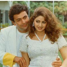 Sridevi with Rishi kapoor Vintage Bollywood, Indian Bollywood, Bollywood Stars, Bollywood Fashion, Bollywood Actress, Randhir Kapoor, Rishi Kapoor, Durga Puja, Celebs