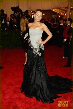 Blake Lively in Gucci silk strapless gown